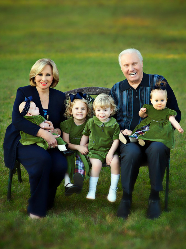 jimmy and frances swaggart with their grandchildren